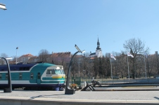 Een van de oude DR1A-treinstellen in Tallinn.