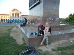 Even ontbijten en een bak koffie in het park voor het station