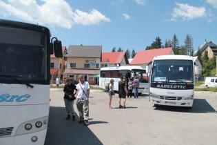 Topdrukte in het busstationnetje van Zabljak n Zab