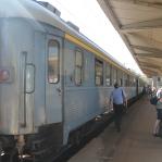 Mostar heeft wél een echt station, waar de trein leegstroomt.