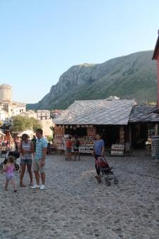 Mostar: vol met toeristenprullaria