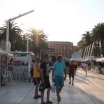 Split is duidelijk veel toeristischer en veel westerser dan Bosnië